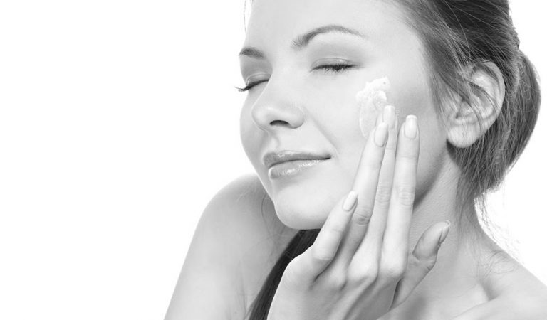 Best Home Remedies for dry skin in winter